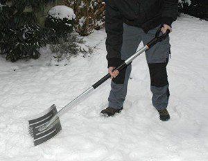 Schneeschaufel test